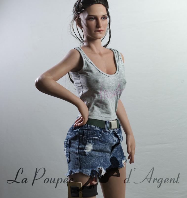 JM Doll 110cm Olivia écolière - La Poupée dArgent
